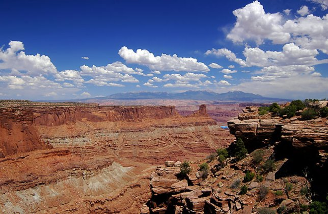 This view looks southeast from Dead Horse Point, Utah.