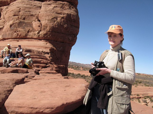 Abby prepares to make pictures as we arrive at Delicate Arch.