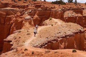Hikers on prominence, Kodachrome Basin.