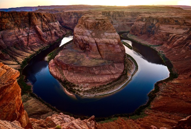 After the sun dropped below the horizon, Horseshoe Bend took on a deeper blue color pallet.