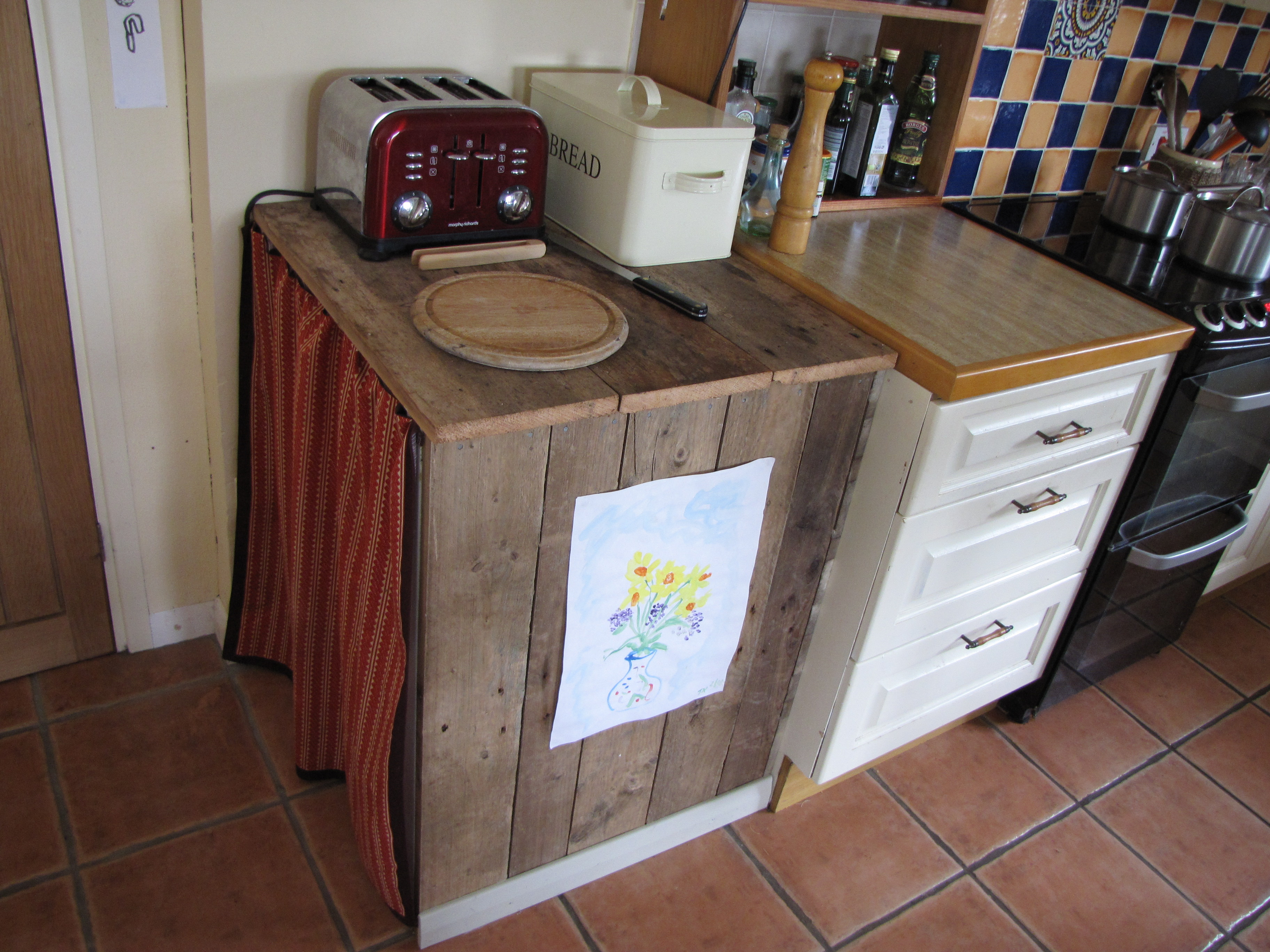 Kitchen cupboard made from an old pallet  Creative me