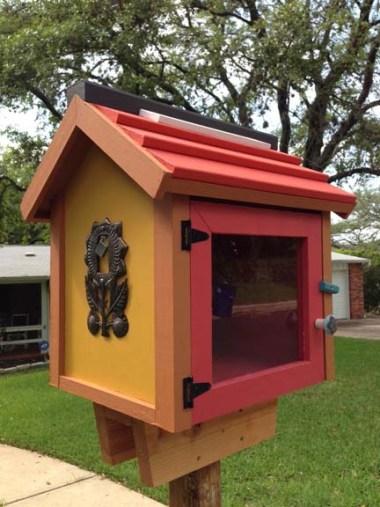 Lanie Tankard's Tiny Library