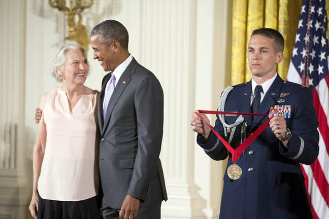 Obama honors Dillard