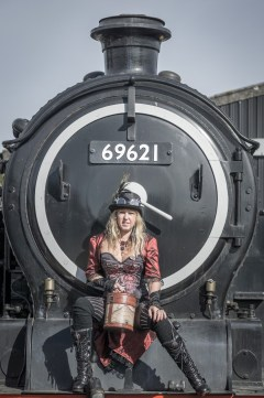 steampunk-steam-trains-13_44306190475_o