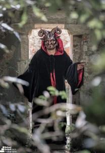 Grim Reaper Alresford Church (4)