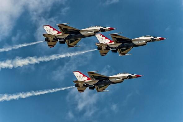 Thunderbirds-f-16-Fighting-Falcon-Lockheed-Martin-13-005247.vv