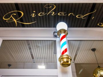 Poste de Barbería en Richard's Barbers