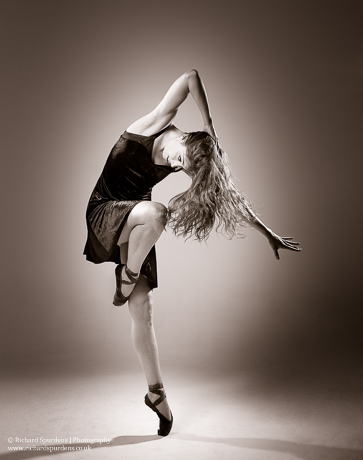 contemporary dance shapes