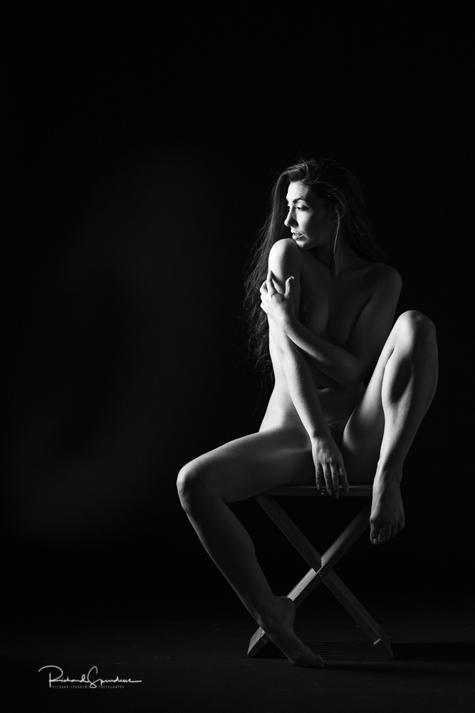 Fine art nudes - madame bink face towards the light