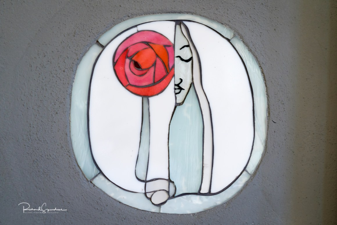 close up of the Stain glass design by mackintosh