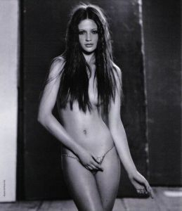 Cintia Dicker topless