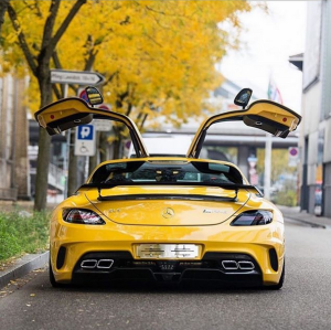 Instagram Car Bloggers; Noteworthy Exotics