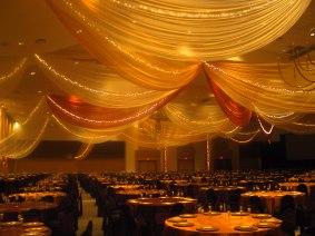 draping golden table view