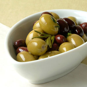 olives-herbs-ck-1065517-l