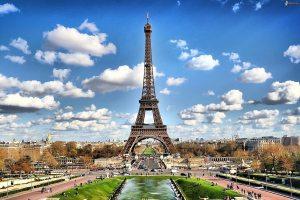パリの空の下