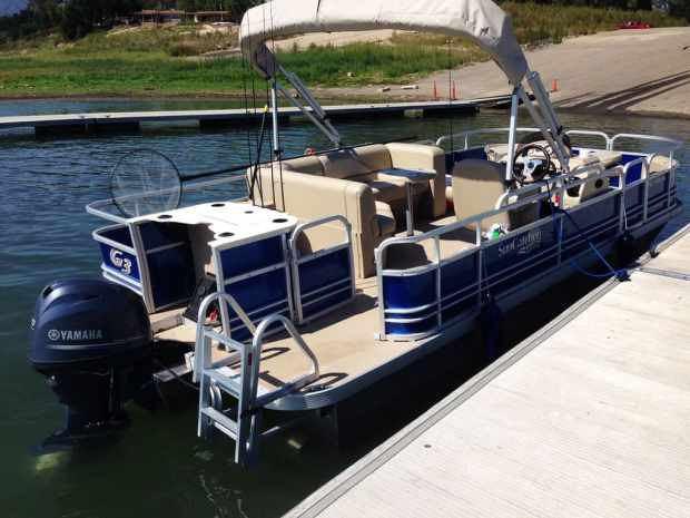 RTF Pontoon Boat