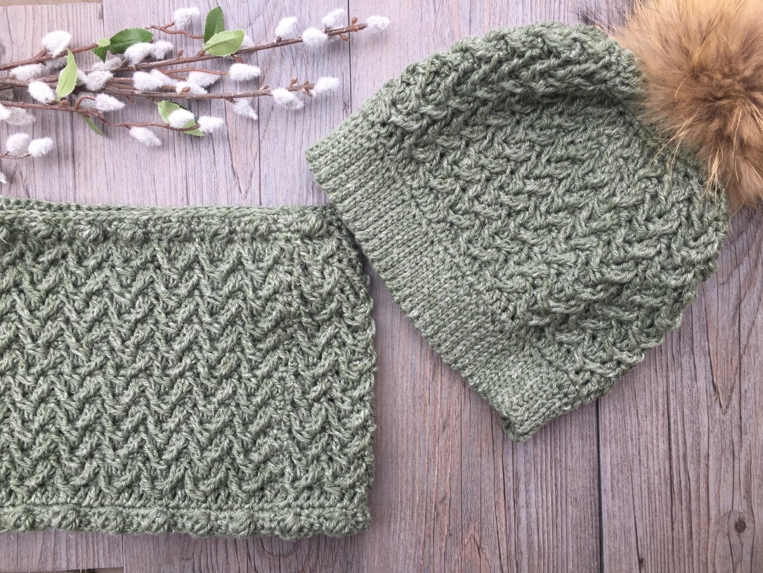 Textured Hat and Cowl