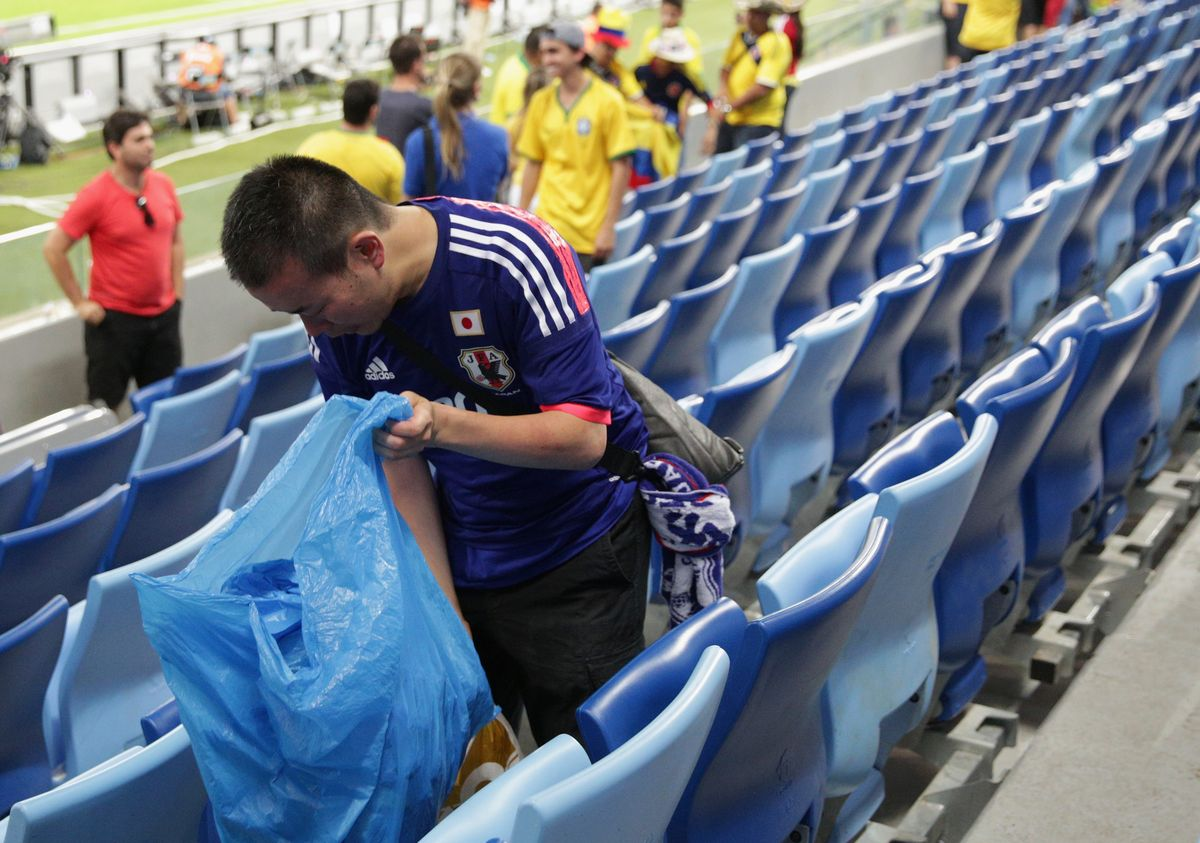 japan, senegal & uruguay fans are considerate