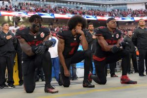 colin kaepernick protesting during the 2016 nfl season