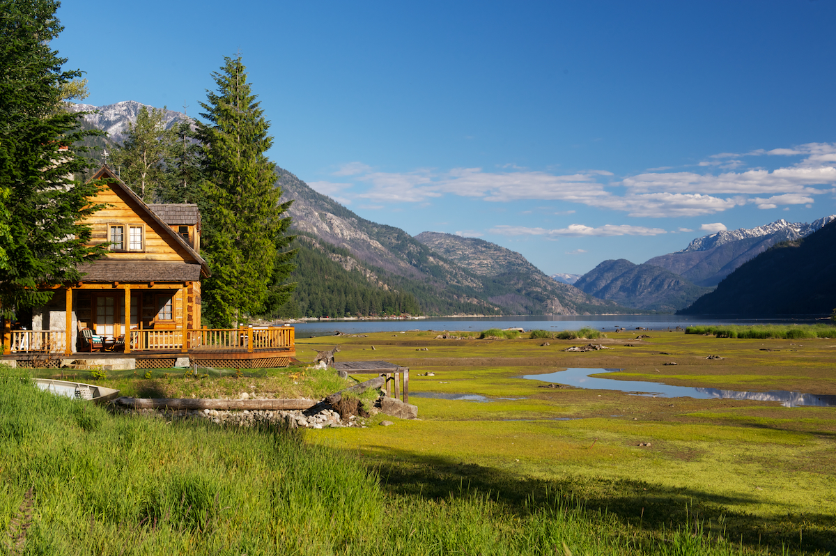 Cabin in Stehekin at the northern most part of Lake Chelan