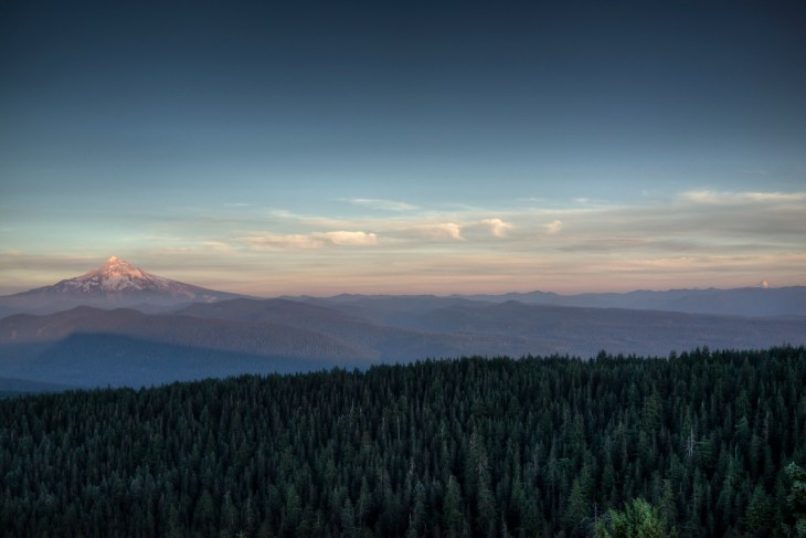 larch-mt-sunset-towards-hood-and-jefferson