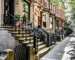 """In Manhattan. 5th place award winner in """"City, Street, and Park"""" challenge on international website Pixoto. Recipient of three Peer Awards on the international website ViewBug and a Top 10 ranking in """"Beautiful Cityscapes""""."""