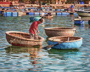"""Vietnam. 3rd place for the day in """"People"""" category on international website Pixoto."""