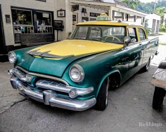 Greenie's Taxi