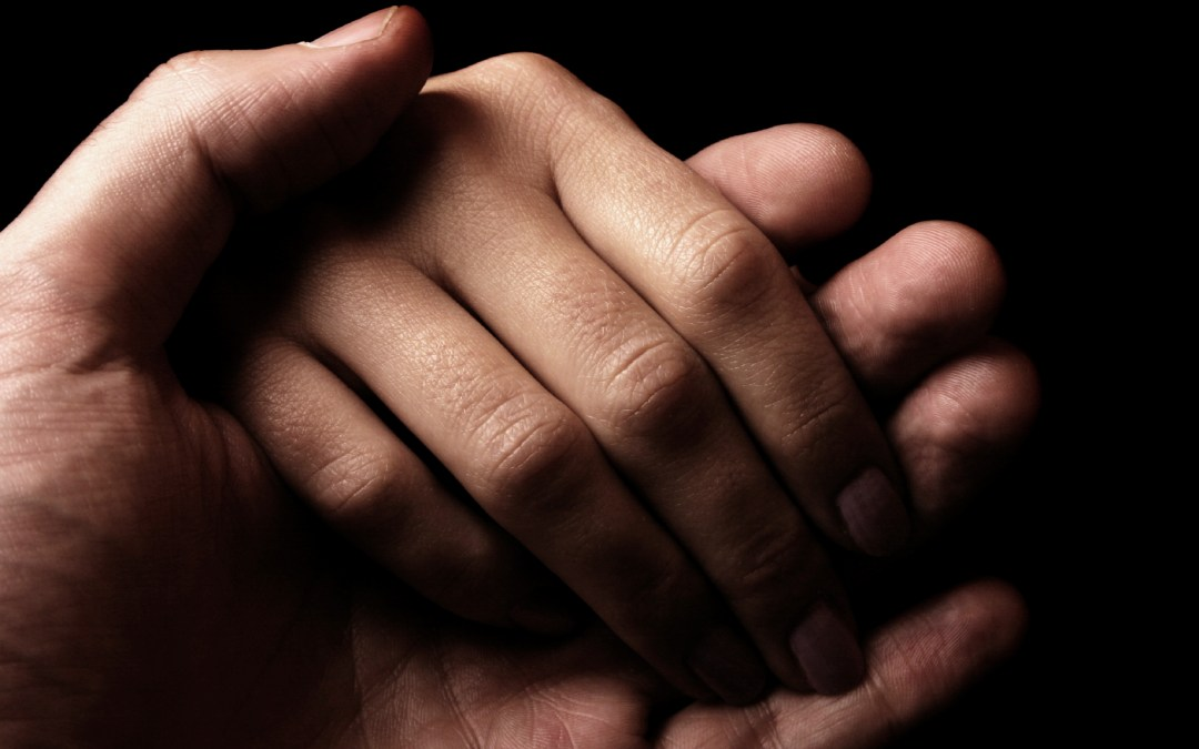 5 Practical Ways to Help Someone With a Funeral