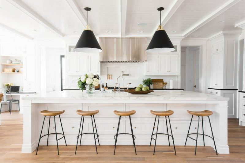 kitchen lighting ideas that complement the modern look