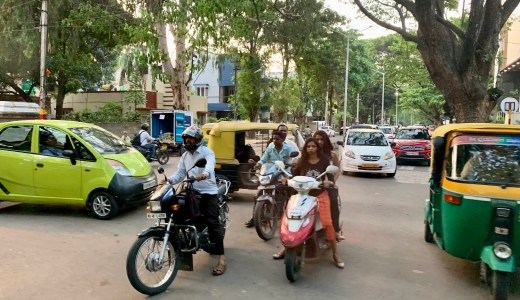 少しは慣れたかな?インドの交通事情