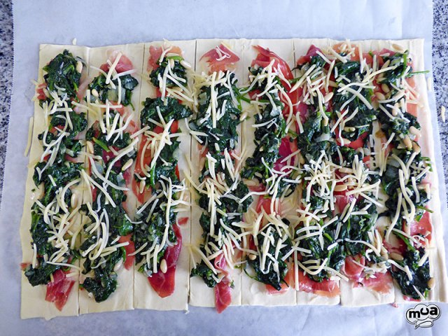 Rollitos de hojaldre con espinacas