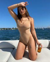 rosalia en la playa bikini