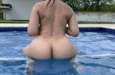 leidiss2103 en la piscina