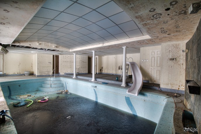 Abandoned Ontario Polish Mansion - Basement
