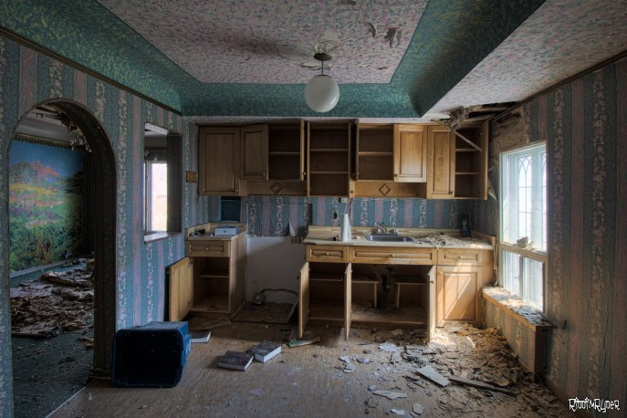 Kitchen in the abandoned castle