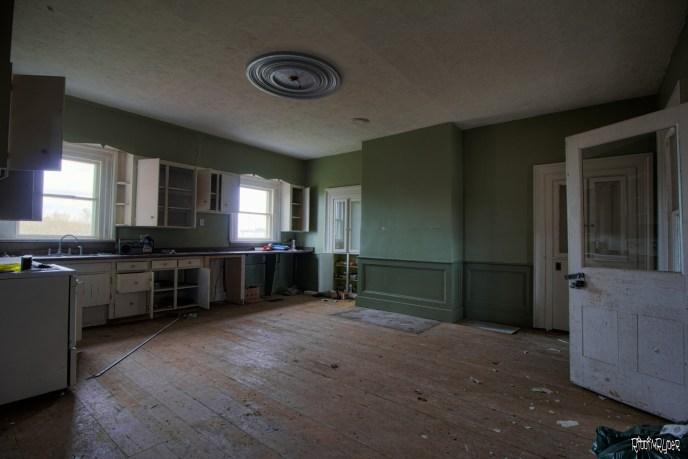 Ceuntry home kitchen