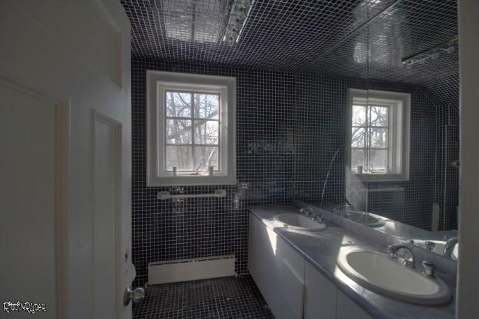 Mansion top floor bathroom