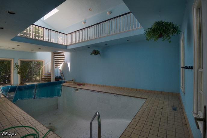 Beautiful Abandoned Colonial Mansion Pool