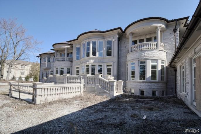 Billionaire's Vacant Mansion