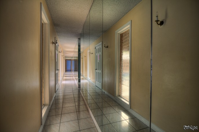 Mirroed Corridor