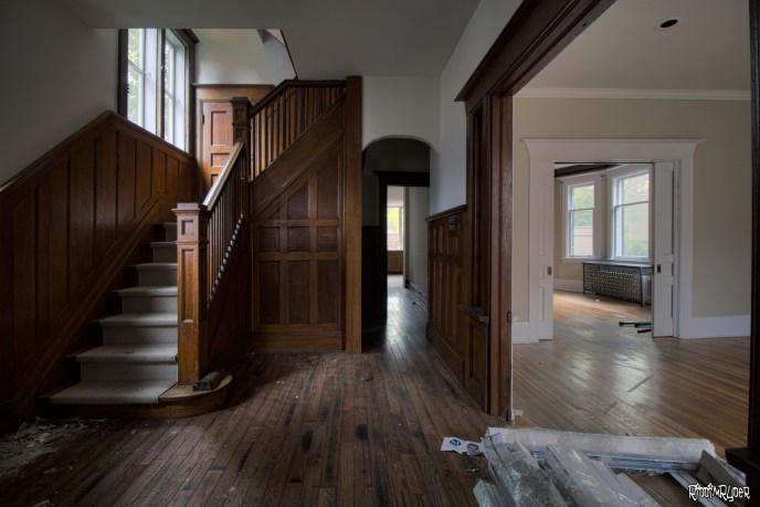 Beautiful woodwork & stairs