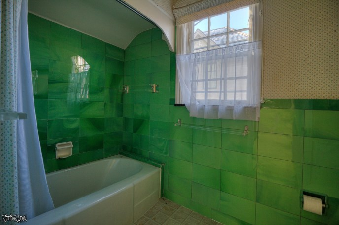 Abandoned home bathrom