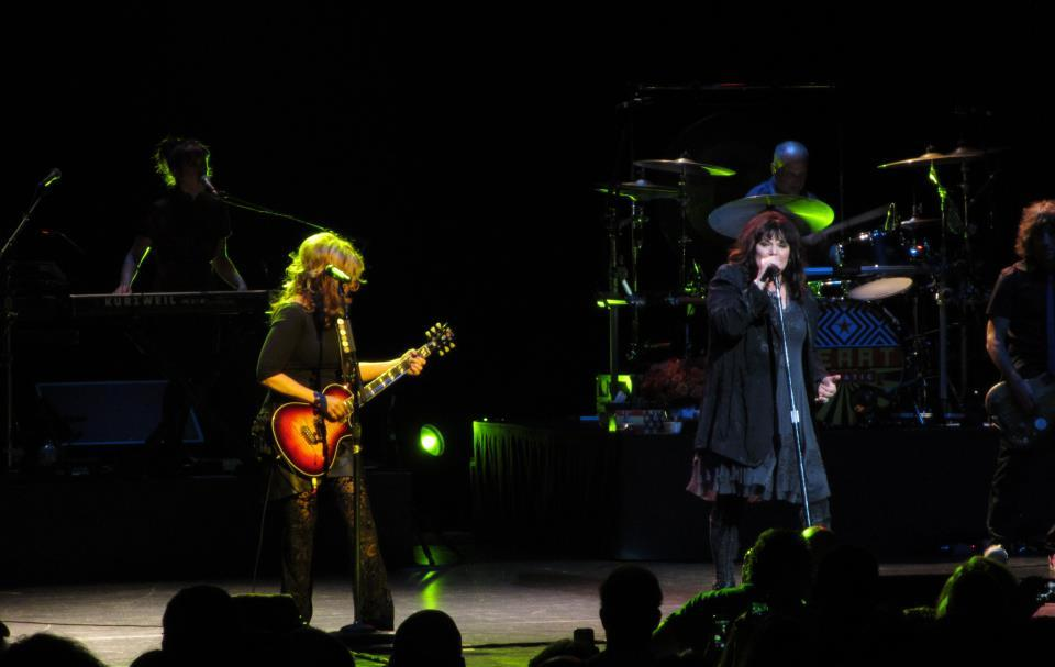 Le groupe Heart : Ann & Nancy Wilson en concert en 2012