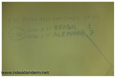 In einem Kaufhaus wurden alle WM-Ergebnisse auf eine weisse Wand geschrieben. Aus welchen Gründen auch immer wurde versucht die Ergebnisse zu übermalen. Aber so ein Halbfinalergebnis bekommt nicht mal so eben übermalt, verdient wie ich finde.