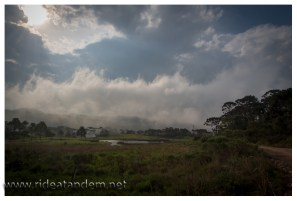 Nach dem Regen wird der Nebel hergestellt, hier noch im Kinderstatus