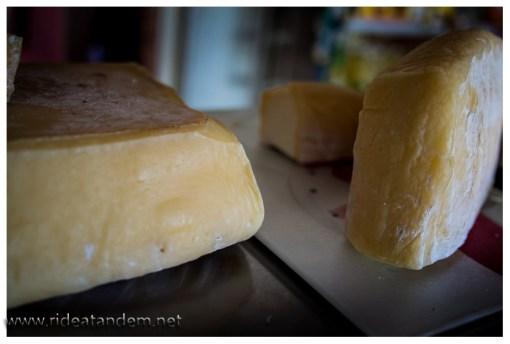 Super Käse. Hausgemacht, optisch super mit guten Geruch, leider fast geschmacksfrei. Immerhin besser als die Käses davor.