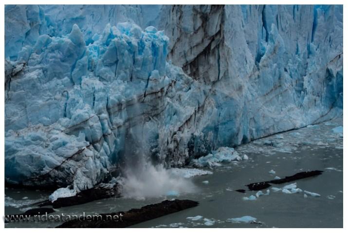 Eines der wenigen Gletscher die sich von der Klimaerwärmung nicht beeindrucken lassen und weiter wachsen. Überragend sind die Geräusche, irre lautes Knnacken und Quietschen.