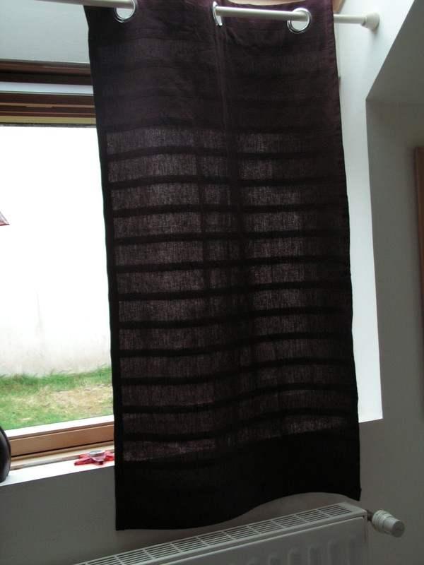 Le rideau rétro pour fenêtres