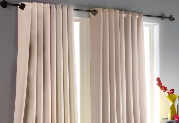 comment bien g rer le choix de ses rideaux rideaux pas cher. Black Bedroom Furniture Sets. Home Design Ideas